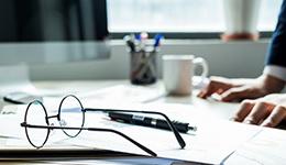 未经股东会作出有效决议而签订的董事委托合同无效
